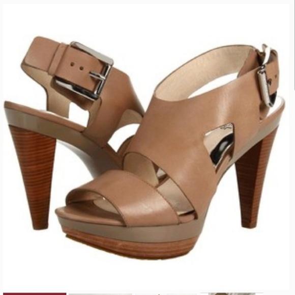 d92ff59b22b Michael Kors Carla platform heels 7.5 M tan nude. M 5b6233a9d6dc52baada8d65e